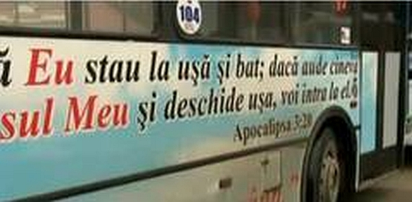 Mesaje-din-Biblie--pe-un-autobuz-din-Oradea